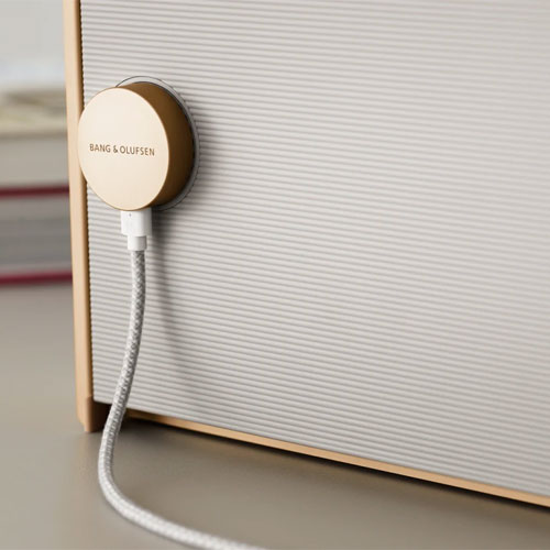 ลำโพงไร้สาย B&O Beosound Level Wireless Home Speaker แบตเตอรี่ทนทาน