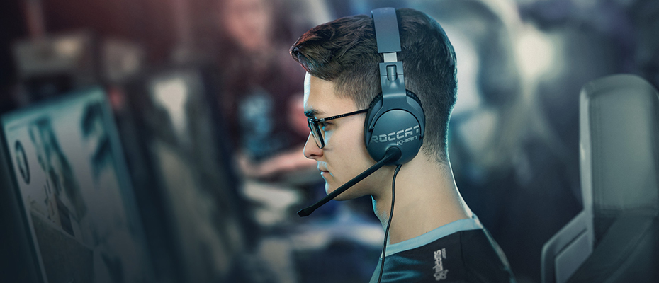 Roccat Khan Pro Competitive Gaming Headphone