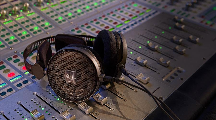 หูฟัง Audio-Technica ATH-R70x Headphone ราคาคุ้มค่า