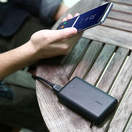 แบตสำรอง Aukey PB-XD10 10000mAh USB-C PowerBank with Quick Charge ราคา