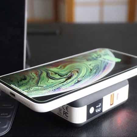 หัวชาร์จ Fuse Chicken Universal travel charger USB A,C Wireless Charging ซื้อ-ขาย