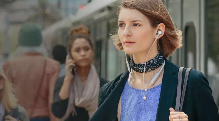 ซื้อ หูฟังไร้สาย Plantronics BackBeat GO 410 Wireless In-Ear