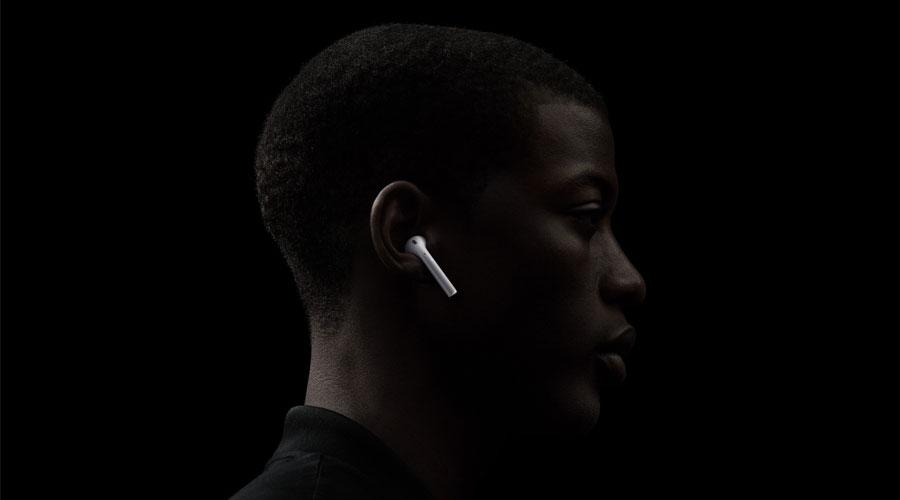 ซื้อ หูฟังไร้สาย Apple AirPods with Wireless Charging Case