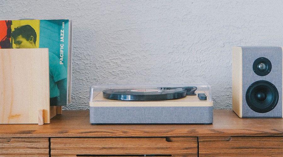 เครื่องเล่นแผ่นเสียง Gadhouse DEAN Turntable Stereo System พร้อมลำโพง Joan Bookshelf Speaker
